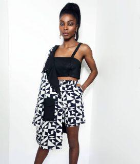 👀 @chimel.mp est trop canon dans notre tailleur short Minon Tougban  Notre collection capsule #Konou #madeinafrica #handmade   👀 Achetez le votre sur notre site : 👆 lien en bio 👆  👀 Sur mesure et personnalisation disponibles en pré commande. . . . . . . . . . .  . . . . Modèle : @chimel.mp  Make-up : @katzeup  Direction artistique : @anzparis  Photo : @steevejohaness  Merci @chimel.mp  Merci @katzeup  Merci @angelaanz  . . . . . . . . . . . . . . . . . . . . #tougban  #betougban  #tougbanandco  #madeinafrica  #fashiongram  #styleethniquechic  #modeethnique  #tenue  #blogueusemode