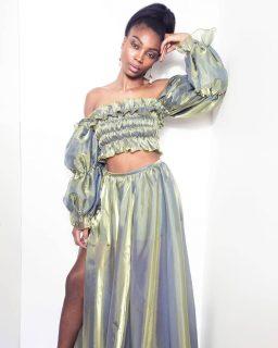 💚 Notre ensemble Ounia Tougban. Notre collection capsule Konou. #madeinafrica #handmade  . . 💚 Sur mesure et personnalisation disponibles en précommande. . . 💚 Disponible sur notre site : 👆 lien en bio 👆 . . . . . . . . . . . . . . . . . . . . Modèle : @chimel.mp  Make-up : @katzeup  Direction artistique : @anzparis  Photo : @steevejohaness  Merci @chimel.mp  Merci @katzeup  Merci @angelaanz  . . . . . . . . . . . . . . . . . . . . . . #tougban  #betougban  #tougbanandco  #ethnicstyle  #styleethniquechic  #tenue  #blogueusemode  #pretaporter