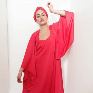 ❤ La sublime @sarahokendo2.0 porte notre robe Buchi Tougban  #madeinafrica  #handmade   ❤ Disponible sur notre site : 👆 Lien en bio   ❤ Sur mesure et personnalisation disponibles en pré commande.  . . . . . . . . . . . . . . . . . . . Modèle : @sarahokendo2.0 Make-up : @katzeup  Direction artistique : @anzparis Photo : @steevejohaness  Merci @sarahokendo2.0 Merci @katzeup  Merci @angelaanz  . . . . . . . . . . . . . #tougban  #betougban  #tougbanandco  #pretaporter  #fashionaddict  #modeethniquechi
